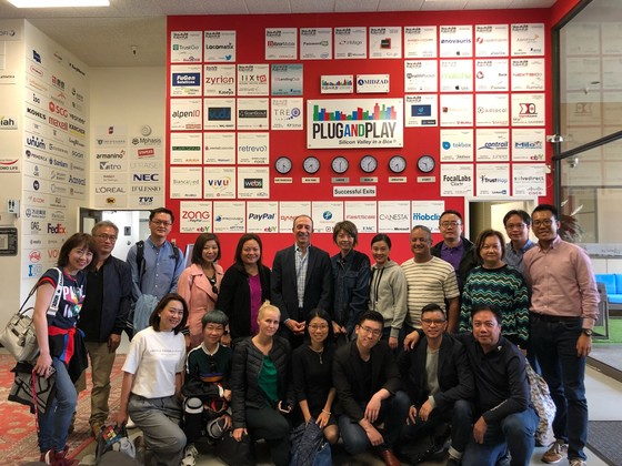 Group photo with Mr. Shawn Dehpanah, Vice President, Partnership and Corporate Innovation for APAC, Plug and Play Tech Centre