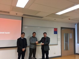 Presentation of souvenir to Mr Ralph Lee (President of Hong Kong Institute of Occupational and Environmental Hygiene) (from left to right: Dr Franky Wong, HKU SPACE; Mr Ralph Lee; Dr Shaun Lundy, University of Greenwich) (2017)